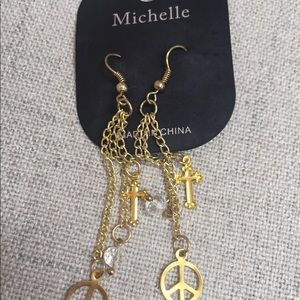 Michelle Gold Peace And Love Earrings Brand New